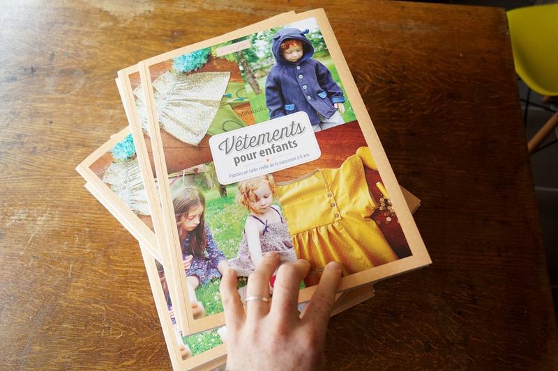 Sortie du livre de patrons Vêtements pour enfants par Minabulle