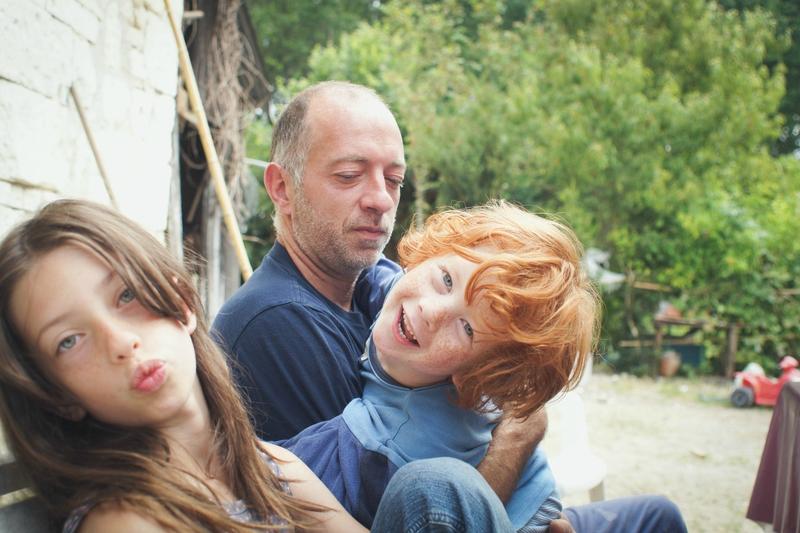 Faire des réunions de famille et régler les conflits