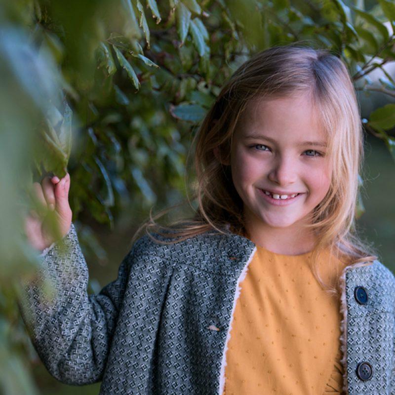"""les photos de Rachel Feast (photographe néo-zélandaise) dans son editorial """"Poetic dreamers"""" pour le site de mode enfant """"Junior Style"""" avec les vêtements minabulle"""
