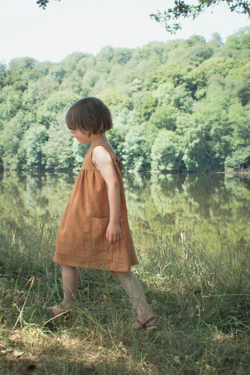 robe Minabulle dos-nu avec un lien à nouer dans le dos en crêpe de coton cannelle