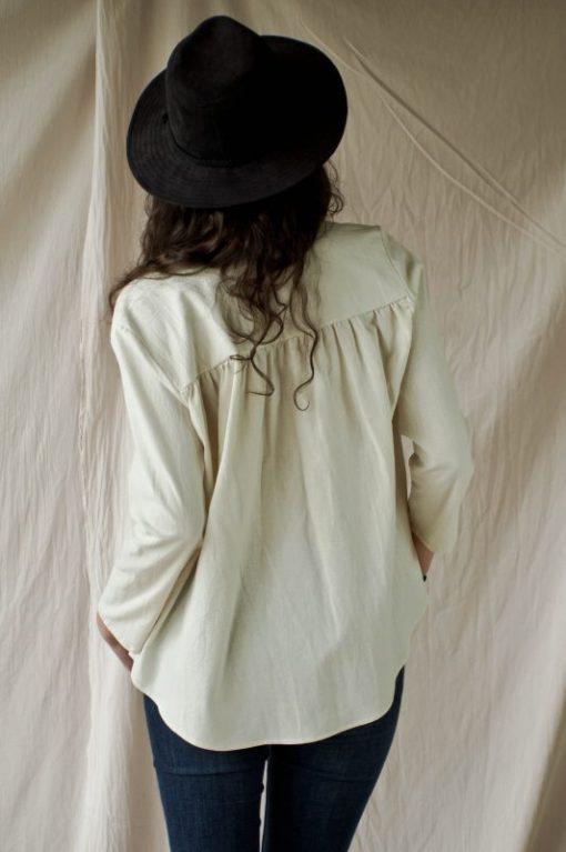 Blouse femme en crêpe de coton écru, fabriquée en France
